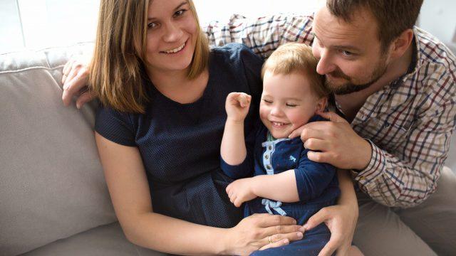 W oczekiwaniu na nowego członka rodziny... / Domowa sesja rodzinna i ciążowa w jednym / Gdańsk