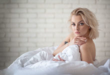 Sesja kobieca / sensualna / buduarowa / Ewa Kępys / Sesja w prezencie / Prezent dla żony / Gdańsk